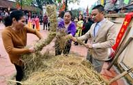 Tưng bừng lễ hội thổi cơm thi làng Thị Cấm