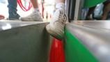 """Khe hở lớn ở ga đường sắt trên cao La Khê """"đánh bẫy"""" hành khách"""