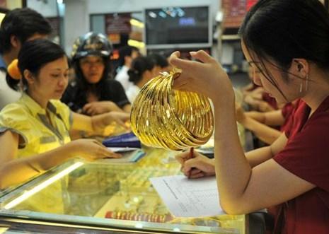 Giá vàng ngày 13.8: Tăng gần 200 ngàn, thị trường lo lắng