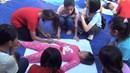 Trẻ em nghèo hào hứng với lớp học chống xâm hại tình dục