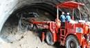 Thông tuyến kỹ thuật ống hầm đầu tiên thuộc Dự án Hầm đường bộ đèo Cả
