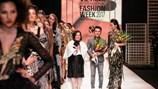 Thanh Hằng mang đến cái kết viên mãn cho Tuần lễ thời trang quốc tế Xuân Hè 2017