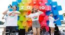 Suni Hạ Linh siêu đáng yêu bên Karik tại lễ hội sắc màu đầu tiên ở Việt Nam