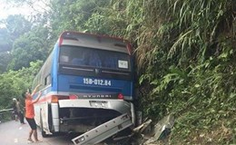 Xe chở học sinh bị tai nạn ở Tam Đảo: Một trong hai người tử vong là giáo viên