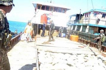 """Trung Quốc chỉ để lại 1 tàu ở """"điểm nóng"""" với Philippines"""
