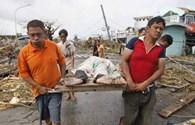 Bão số 14: Haiyan mạnh như sóng thần, 1 tỉnh của Philippines có tới 10.000 người chết