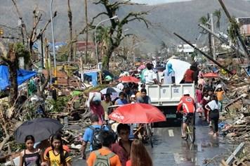 Việt Nam viện trợ khẩn 100.000USD cho Philippines