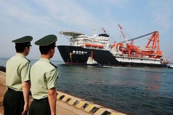Trung Quốc ồ ạt đưa 16 giàn khoan sát vùng biển Nhật Bản