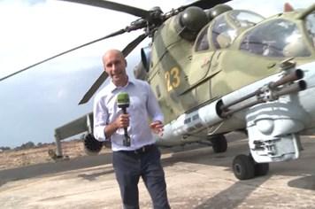 """Mục sở thị """"xe tăng bay"""" Mi-24 bảo vệ căn cứ Nga ở Syria"""