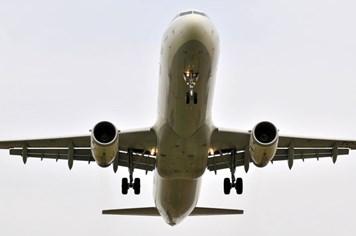 Máy bay Anh chở 189 người suýt trúng tên lửa Ai Cập