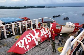 Công bố nguyên nhân gây tai nạn thảm khốc máy bay Air Asia