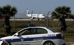 Toàn cảnh vụ máy bay Ai Cập bị không tặc khống chế