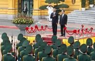 Trung Quốc nói gì khi Mỹ bỏ cấm vận vũ khí với Việt Nam