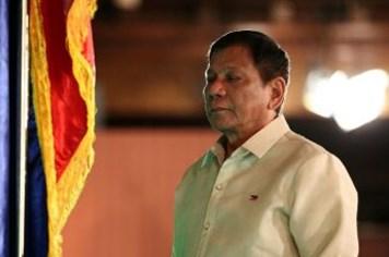 Tổng thống Philippines tiến thoái lưỡng nan sau phán quyết Biển Đông