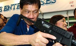 Tổng thống Philippines có thể ra toà án quốc tế vì giết người bừa bãi