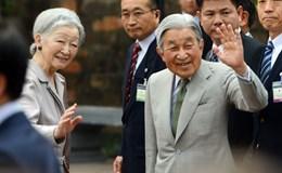 Nhà vua và Hoàng hậu Nhật Bản thăm Văn Miếu, động viên lưu học sinh Việt Nam
