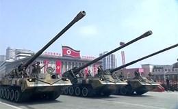 Triều Tiên phô diễn sức mạnh tên lửa trong lễ duyệt binh