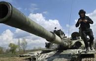 """Ukraina: """"100 xe tăng, chỉ có 2 chiếc chạy và 1 chiếc bắn được"""""""