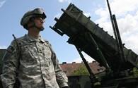 """Tên lửa """"bảo bối"""" của Mỹ kề sát biên giới Nga"""