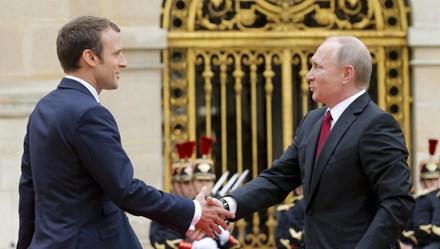 """Tổng thống Nga - Pháp: """"Ván bài lật ngửa"""" tại Versailles"""