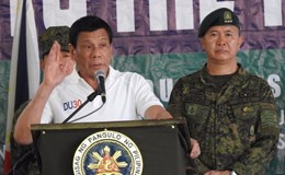 Philippines không nhận vũ khí cũ của Mỹ, chỉ mua mới của Nga-Trung