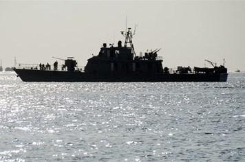 Iran điều chiến hạm hải quân giữa căng thẳng vùng Vịnh