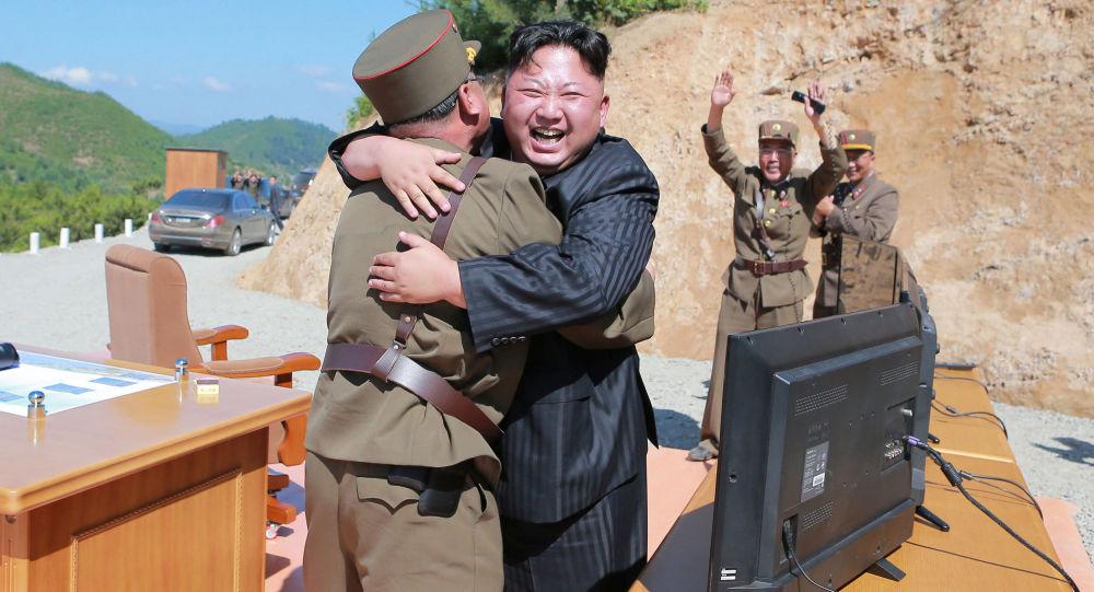 Kết quả hình ảnh cho Kim Jong Un chúc mừng phóng thử ICBM thành công