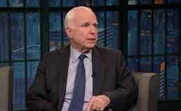 John McCain phẫu thuật, dự luật y tế mới phải trì hoãn