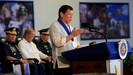 Tổng thống Duterte thừa nhận Philippines vẫn phải dựa vào Mỹ - ảnh 1