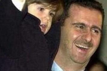 """Con trai 15 tuổi của ông Assad: """"Ai nói cha tôi độc tài là người mù"""""""