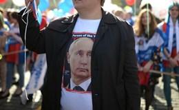 """Giữa """"tâm bão"""" với Mỹ, người Nga tin tưởng ông Putin cao kỷ lục"""