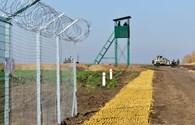 """Ukraina quyết xây xong """"bức tường"""" biên giới với Nga trong 2017"""