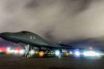 """Không quân Mỹ ở Guam """"quyết chiến đêm nay"""" với Triều Tiên"""