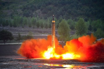 Triều Tiên dọa tấn công tên lửa vào đảo Guam hiện thực đến đâu?
