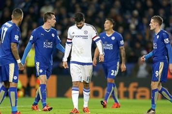"""Sự thật phũ phàng: Sau 1 năm, Chelsea """"đổi vai"""" với Leicester"""