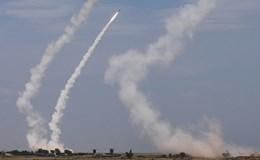 Tên lửa S-300 khai hỏa tấn công mục tiêu trong cuộc tập trận