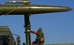 Hệ thống tên lửa Iskander-M lần đầu khai hỏa ngoài lãnh thổ Nga