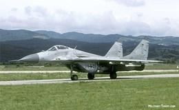 Nga viện trợ cho Serbia xe tăng, phi cơ chiến đấu, máy bay vận tải
