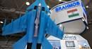 Chiến đấu cơ Su-30MKI có thể mang 3 tên lửa BrahMos mini