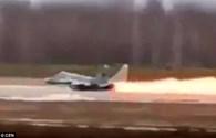 Tiêm kích MiG-29 bốc cháy, phi công kịp bật ghế thoát hiểm