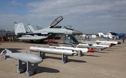 """Dàn chiến đấu cơ """"khoe"""" sức mạnh tại triển lãm hàng không MAKS-2017"""