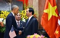 Nhìn lại ngày làm việc đầu tiên của tổng thống Obama tại Việt Nam