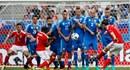 Bale đi vào lịch sử, Xứ Wales chật vật vượt qua Slovakia 2-1