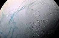 Công nghệ 360: NASA công bố bằng chứng cho thấy mặt trăng Enceladus của Sao Thổ có đủ các yếu tố để tồn tại sự sống