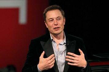 Công nghệ 360: Elon Musk trả nửa tỷ USD tiền thuế thu nhập cá nhân riêng trong năm 2016