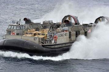 Công nghệ 360: Khám phá sự lợi hại của tàu đổ bộ đệm khí của quân đội Mỹ
