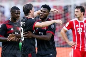 Bayern Munich thua trắng 0 - 4 trước AC Milan