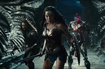 Justice League tung trailer mới nhá hàng sự trở lại của Superman