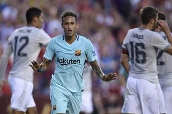 Video: Neymar lại lập công giúp Barca đánh bại MU 1 - 0