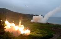 Video: Cận cảnh cuộc tập trận phóng tên lửa đạn đạo của Mỹ - Hàn